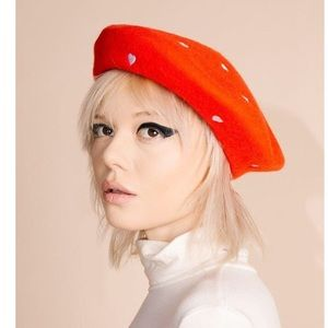 Valfre red heart beret